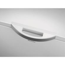 Морозильный ларь Electrolux LCB3LF26W0 254 л/ А+/ электронное управление/ белый (LCB3LF26W0)